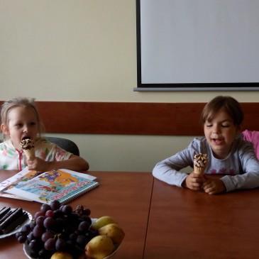 Rozmowy nad przyszłą sztuką (Maja i Kasia)